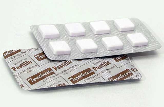 Các bạn nên tham khảo ý kiến bác sĩ về liều dùng thuốc tyrothricin